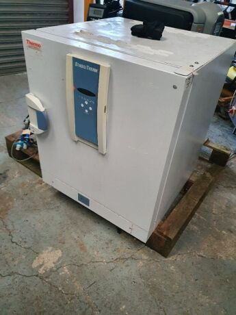 Thermo Electro Industries type Stabilitherm 42754000 Incubator