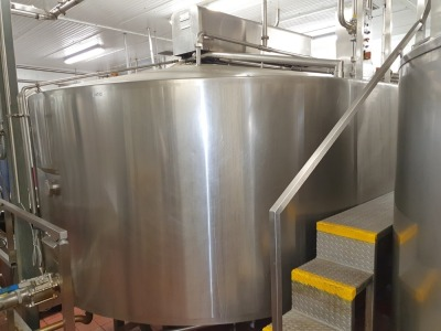 18,000 Litre Stainless Steel Cheese Vat Enclosed with Cutters & Stirrers Dimension 4800 mm x 3200 mm x 2700 mm High